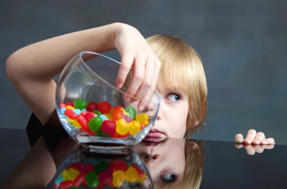 Детское воровство: причины, советы родителям