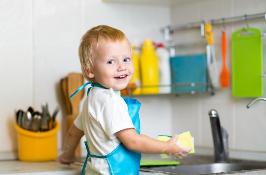 Уборка по дому: как самые простые задачи влияют на развитие дошкольников?