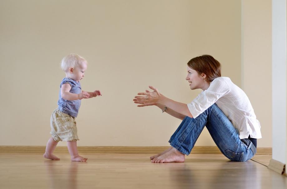 От первых шагов до уверенной походки: что нужно знать родителям?