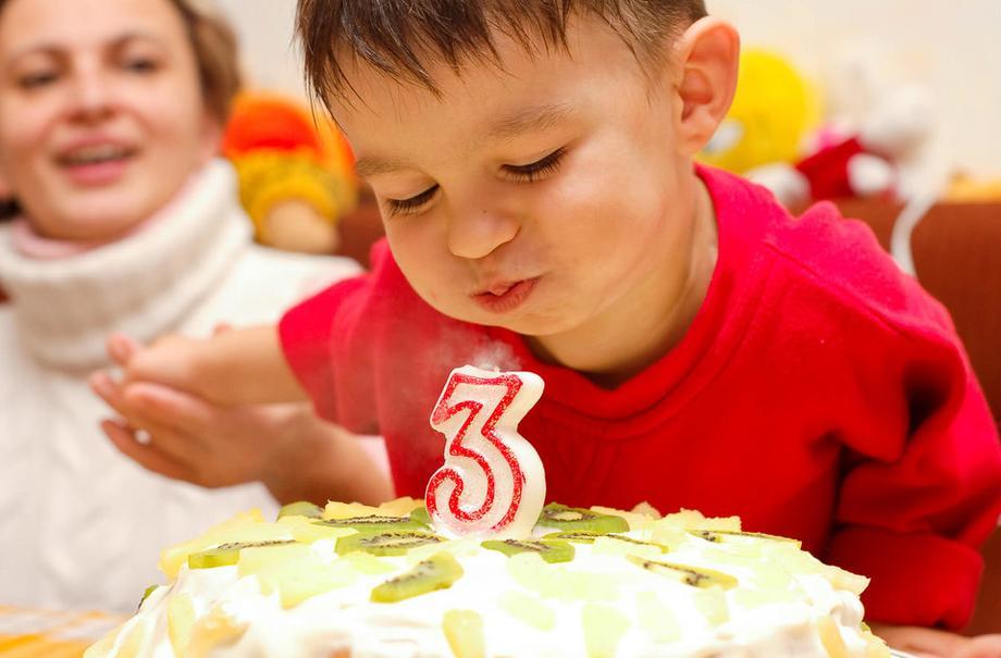Календарь развития: как воспринимает мир и что умеет ребенок в 3 года