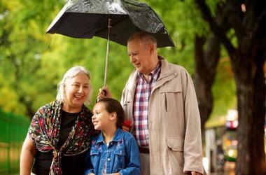 Отношения детей с бабушками и дедушками.